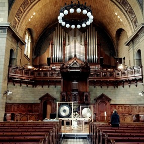 Kirche Enge mit Gong / Haltestille